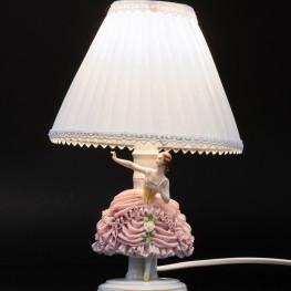 Лампа девушка в розовом платье, кружевная, Muller & Co, Германия, 1907-52 гг