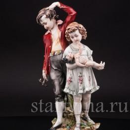 """Фигурка из фарфора """"Сломанная кукла"""" Capodimonte, Италия, вт. пол. 20 в."""