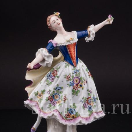 Фарфоровая статуэтка Танцовщица Камарго Sitzendorf, Германия, вт. пол. 20 в.